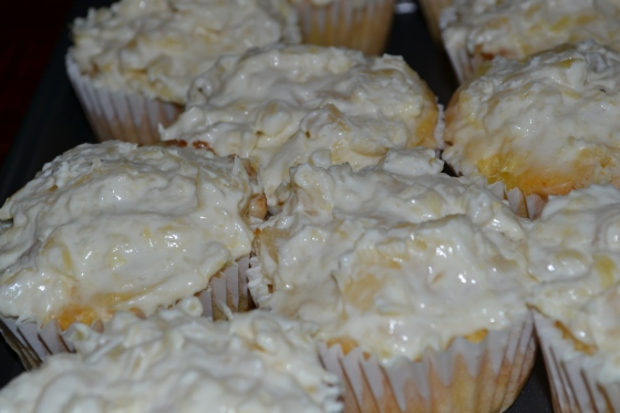 Skinny Pineapple Bliss Cupcakes