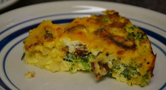 Broccoli, Cheddar & Turkey Bacon Crustless Quiche