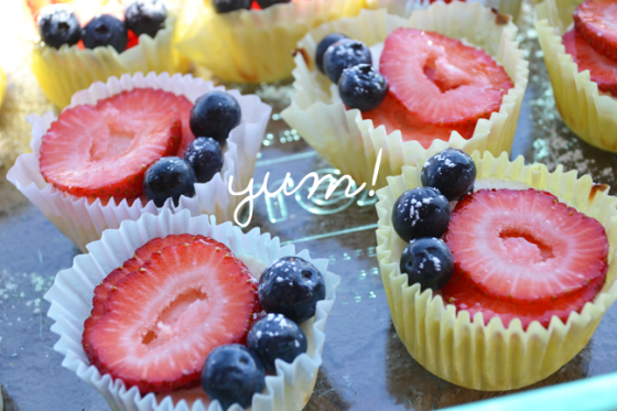 Guest post for TSS--Skinny Red & Blue Lemon Cheesecake Cups!