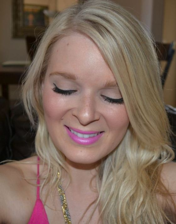 summer beauty--winged linger and bright lips